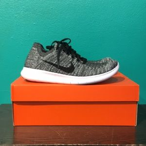 Nike Shoes - NIKE FREE RN FLYKNIT